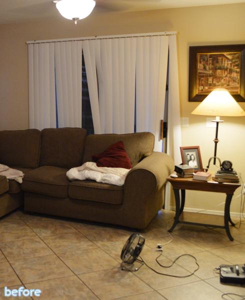 Home goods living room 80421 bursary for Wallpaper home goods