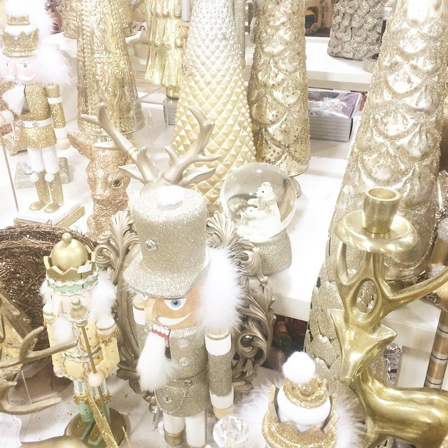 G O L D  R U S H ✨ Hunting at @HomeGoods for a deserving friend today. ??? #homegoodshappy