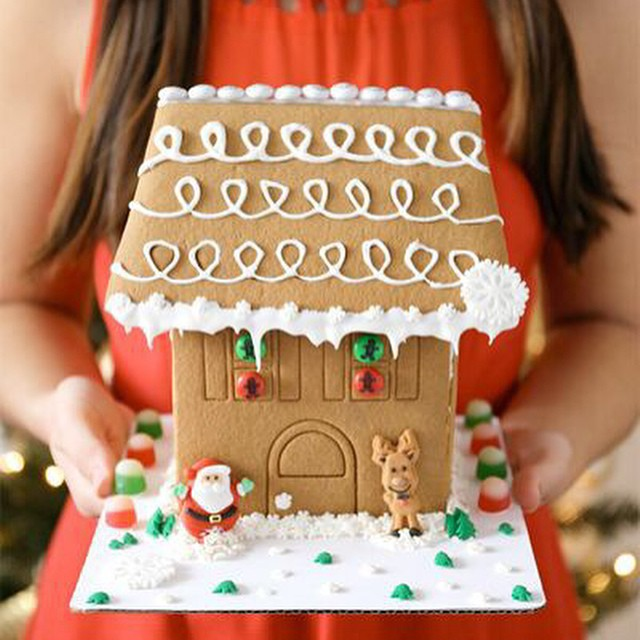 Who wants to come over for a gingerbread house decorating party!? Just kidding, let's do it at your house, it sounds messy. All the details on ma blog today including invite ideas and free printable party favors. Seriously though, invite me. I don't want to brag, but I've never lost a gingerbread house decorating contest. ?