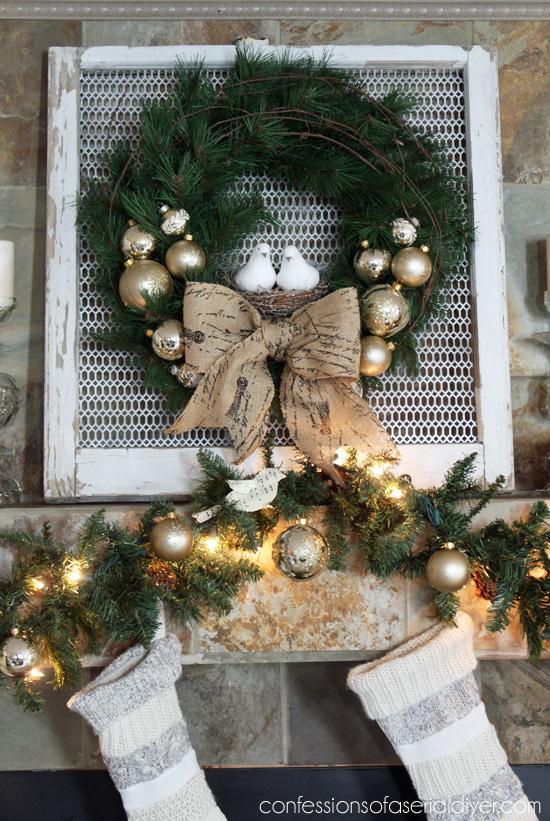 Christmas-Wreath-and-Mantel-16