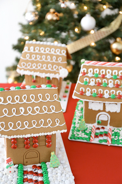 evite gingerbread decorating party