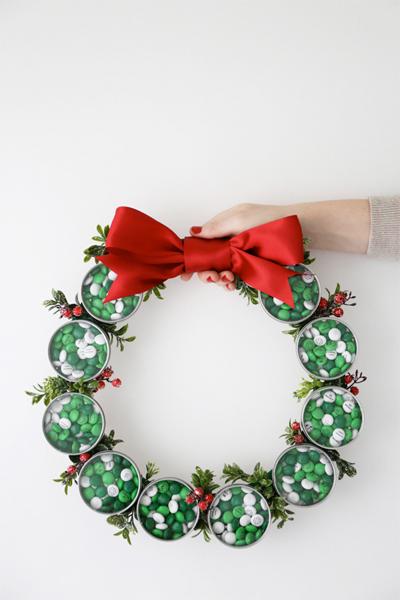 m&m holiday treat wreath