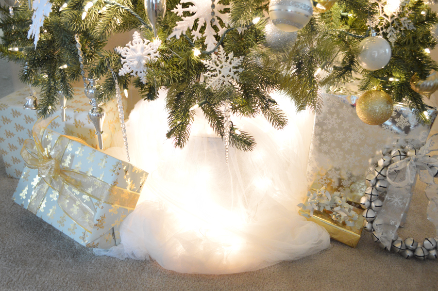 tulle tree skirt with lights