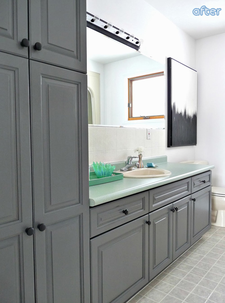 Gray Mint Bathroom Before | betterafter.net