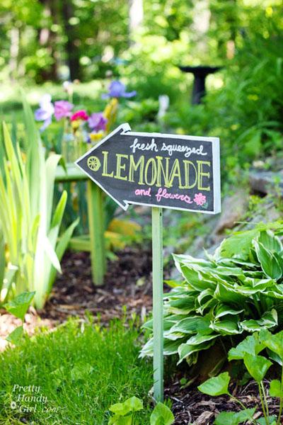 handy lemonade sign