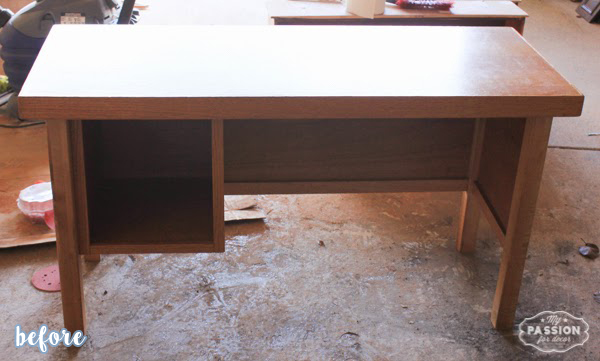 White and Gray French Poem Desk Before