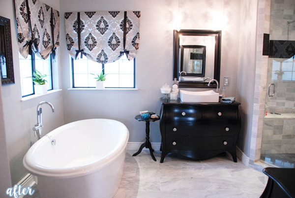 Black and White Bathroom MID