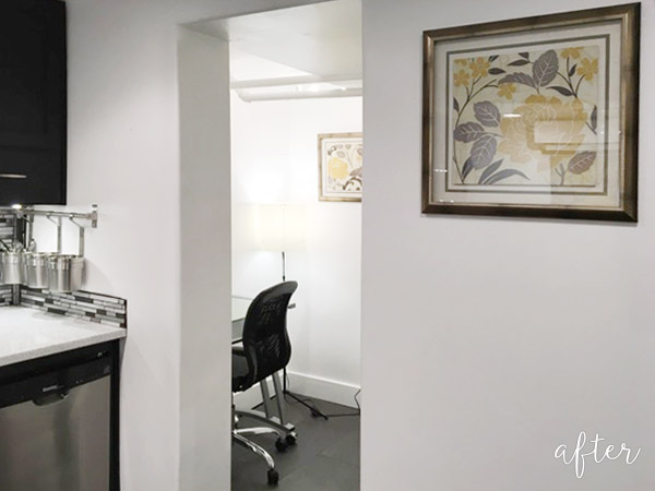 Black and Yellow Bathroom:Office